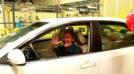 Toyota tặng chiếc xe Camry thứ 10 triệu cho nhân viên