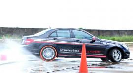 Trải nghiệm 17 mẫu xe Mercedes-Benz tại Đà Nẵng
