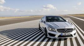 """""""Cháy hàng"""", Mercedes-Benz tiếp tục tăng công suất CLA"""