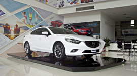 """Mua xe Mazda, """"lời"""" tới 45 triệu đồng"""