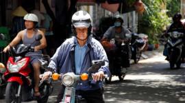 Người cao tuổi có được điều khiển xe máy?