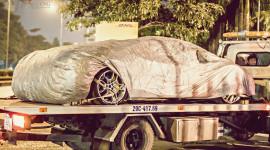 Cặp đôi siêu xe Lamborghini chính hãng về Hà Nội trong đêm