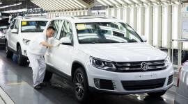 """VW có thể """"soán ngôi"""" Toyota trong năm 2014"""
