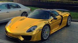 Siêu phẩm Porsche 918 Spyder Hybrid mạ chrome vàng cực độc