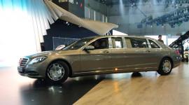 """Mercedes Maybach S600 Pullman """"bằng xương, bằng thịt"""" lộ diện"""