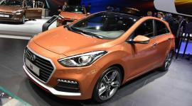 """Hyundai i30 Turbo """"đặt chân"""" đến Geneva"""