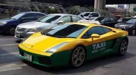 Siêu xe Lamborghini Gallardo làm taxi tại Thái Lan