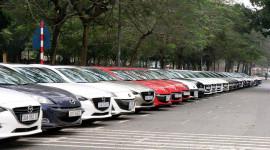 """Dàn xe Mazda3 """"offline"""" hoành tráng tại Hà Nội"""