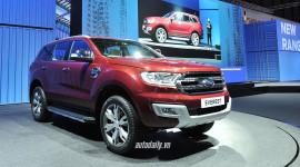Lột xác hoàn toàn, Ford Everest 2015 gây sức ép lên các đối thủ