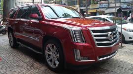 """""""Khủng long Mỹ"""" Cadillac Escalade 2015 màu đỏ tươi đầu tiên về Việt Nam"""