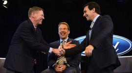 "Cựu CEO Ford ""bỏ túi"" 22 triệu USD năm 2014"