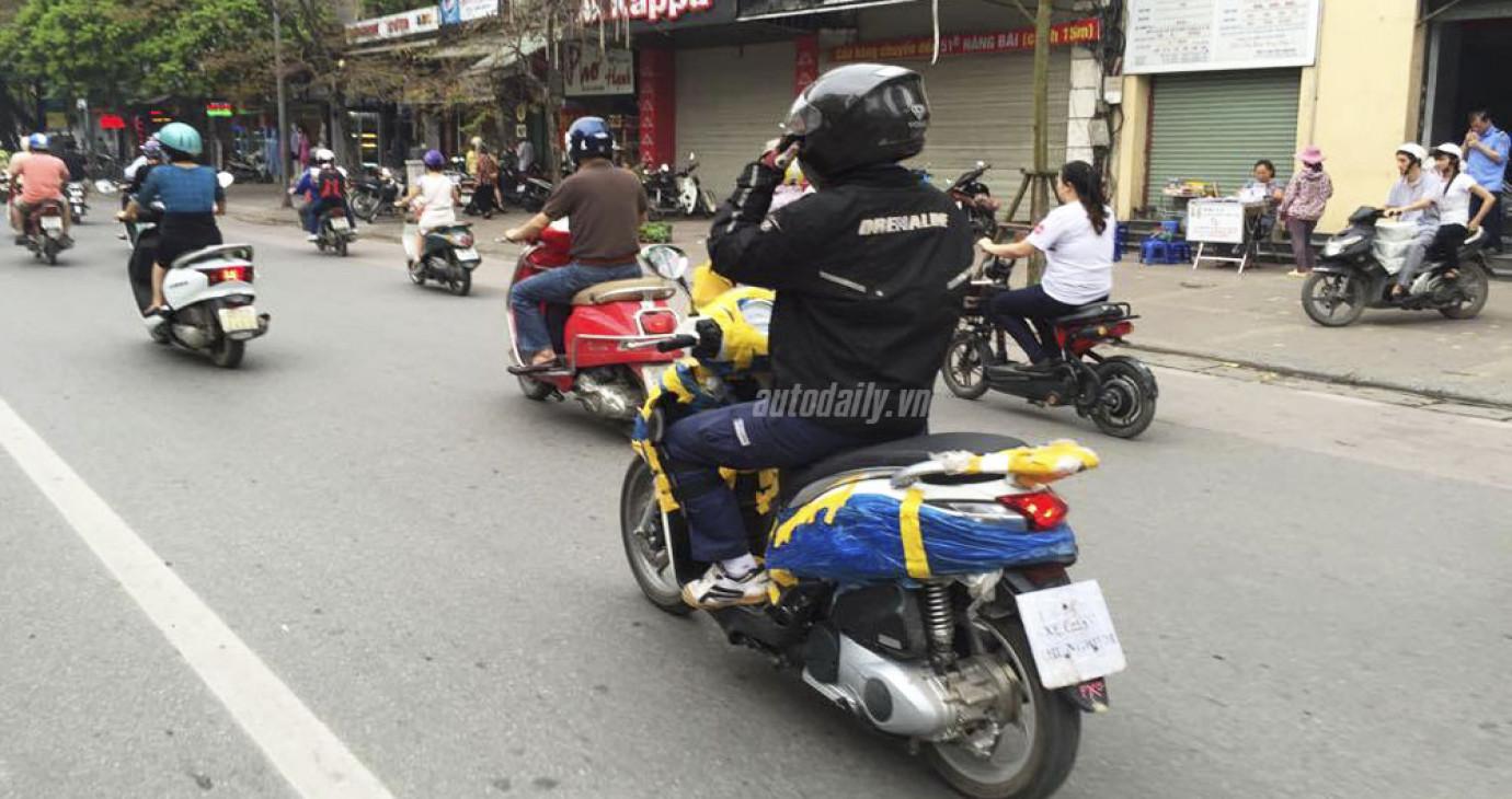 """Xe Piaggio """"mới tinh"""" xuất hiện trên đường phố Hà Nội"""
