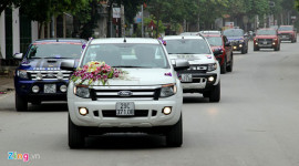 18 chiếc xe bán tải đi đón dâu ở Hà Nội