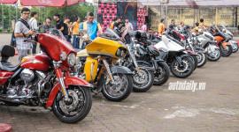 """Gần 100 chiếc mô-tô """"khủng"""" cùng tụ họp tại Hà Nội"""