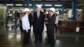 Đại sứ Mỹ tại Việt Nam tham quan nhà máy Ford Hải Dương