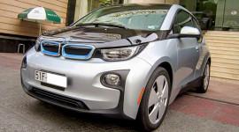 Xe điện BMW i3 bất ngờ lăn bánh tại Việt Nam