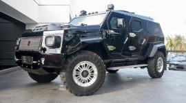 """Khám phá """"siêu"""" SUV bọc thép gần triệu đô"""