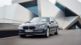 Xe hạng sang BMW 7-Series 2016 gây sốc khi tiêu thụ 2,1 lít/100km