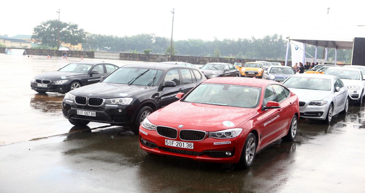 """Ưu đãi """"khủng"""" khi mua xe BMW và MINI"""