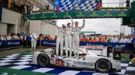 Siêu xe của Porsche từng sang Việt Nam vô địch giải đua Le Mans 2015