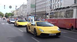 Video: Hơn 100 siêu xe náo loạn thành phố Vienna, Áo