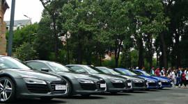 """8 siêu xe Audi R8 V10 """"náo loạn"""" đường phố Sài Gòn"""