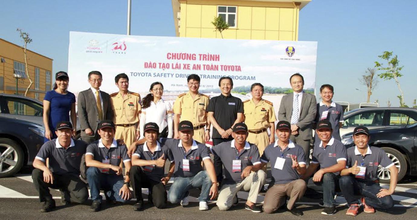 Cùng Toyota Việt Nam học lái xe an toàn