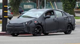 Toyota Prius 2016 lộ diện trên đường thử