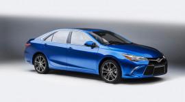 Công bố giá bán bộ đôi Toyota Camry và Corolla bản đặc biệt