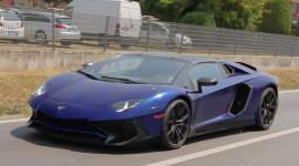 Lamborghini Aventador SV Roadster lộ diện trên đường thử