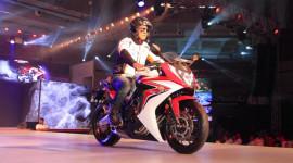 Honda trình làng xe môtô 650cc giá 11.400 USD