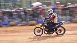 """Video: Người Sài Gòn """"kéo nhau"""" đi xem đua xe máy"""