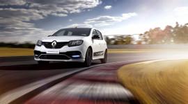 Soi chi tiết Renault Sandero RS