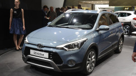 Hyundai i20 Active đến trời Âu