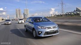 """Toyota tăng giá xe, khách """"chậm chân"""" mất vài chục triệu đồng"""