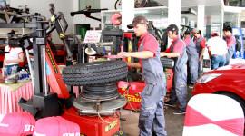 Bridgestone đưa Ngày hội chăm sóc lốp và bảo dưỡng xe đến Buôn Ma Thuột