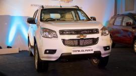Đối thủ Toyota Fortuner chốt ngày ra mắt