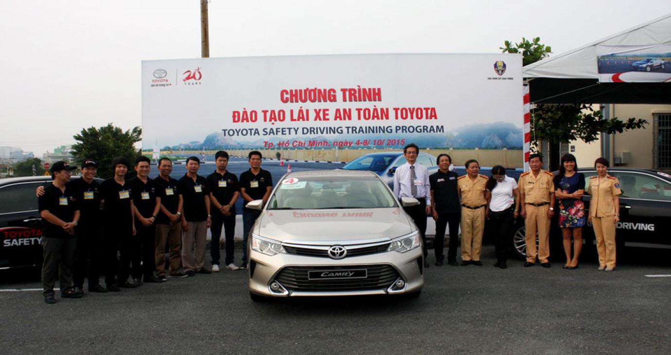 Toyota Việt Nam tiếp tục triển khai chương trình đào tạo lái xe an toàn