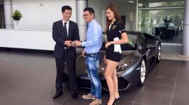 Lamborghini Huracan chính hãng đầu tiên tại Việt Nam có chủ