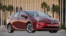 Công bố giá Toyota Prius 2016