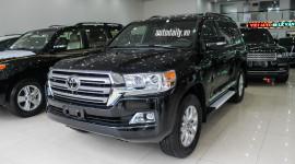 Toyota Land Cruiser 2016 về Việt Nam giá gần 5,5 tỷ đồng