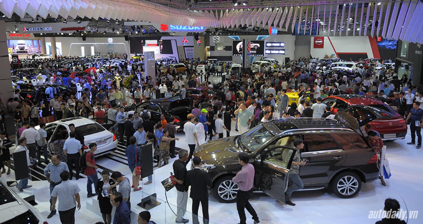 Thị trường ôtô tiếp tục bùng nổ trong tháng 11/2015
