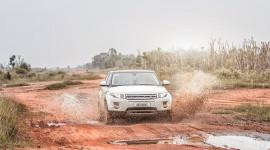 """Một ngày """"thử"""" khả năng địa hình của Range Rover Evoque"""