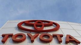 Toyota tiếp tục dẫn đầu trong tháng 11, tiến sát ngôi vương