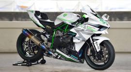 """Video: """"Thần sấm"""" Kawasaki Ninja H2R độ đạt vận tốc 385 km/h"""