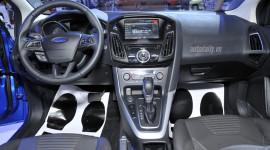 Vải bọc trên xe Ford có khả năng chống cào xước, bẻ gập