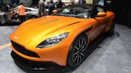 """Aston Martin DB11 lên """"cơn sốt"""""""