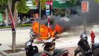 Xe máy bỗng nhiên bốc cháy, tránh thế nào?