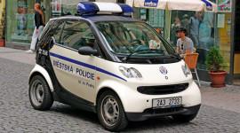 3 mẫu xe cảnh sát 'chậm chạp' nhất thế giới
