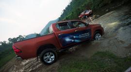 """Ngày 3: Toyota Hilux """"thử"""" bản lĩnh tại Pù Mát"""